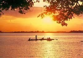 BÀI VĂN TTRUNG QUỐC NGẮN: DẠO CHƠI TÂY HỒ - HÀNG CHÂU 游西湖: (Yóu Xīhú) Dạo chơi Tây Hồ